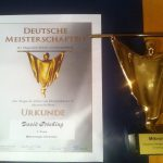 Urkunde und Pokal von den deutschen Zaubermeisterschaften